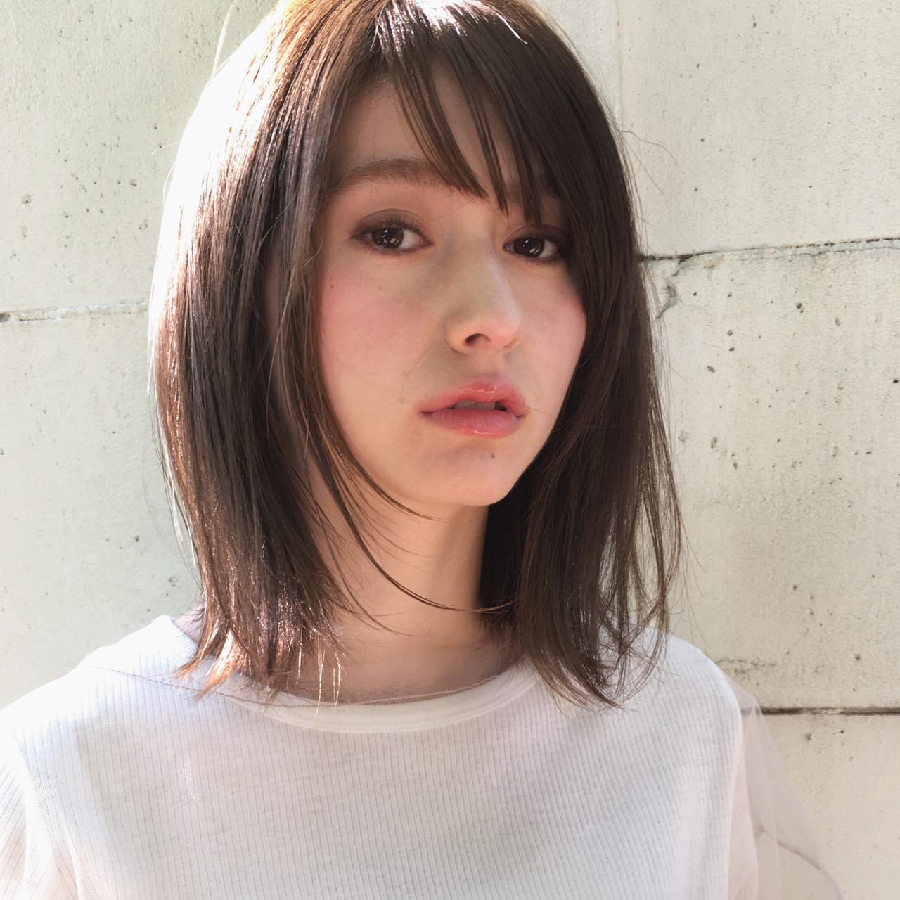 髪型女性ロング