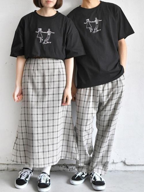 アディダス tシャツ 黒 コーデ