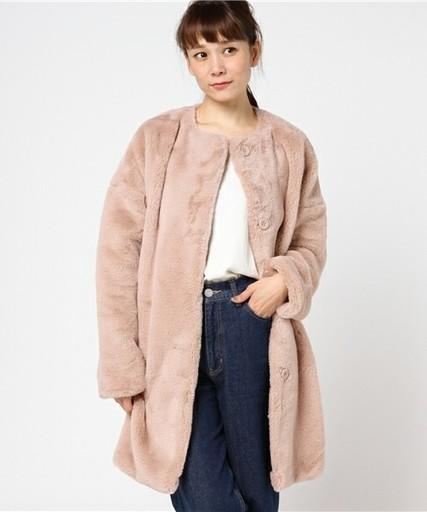 レディースコーデにピッタリ♡ベーシックなピンクのモコモココート