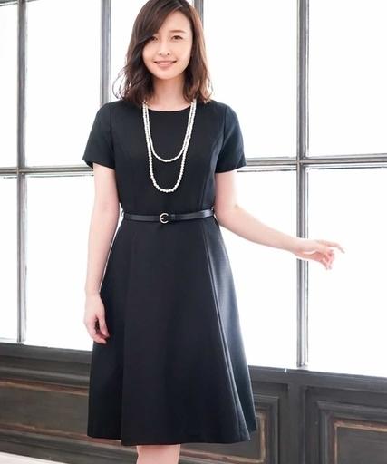 99f9c586a783e 靴や髪型で見違える♡お呼ばれ向きネイビードレスについて徹底解説 ...