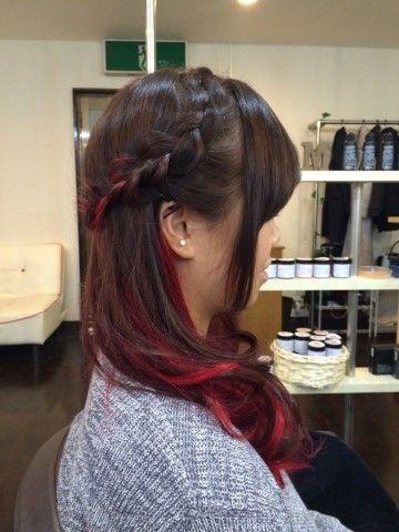赤で魅せる♡長さ別、赤のインナーカラーヘアカタログ3選!の画像