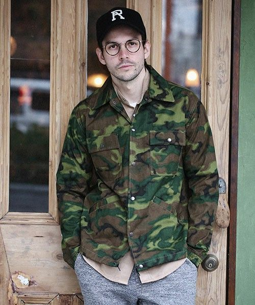 【ミリタリージャケット】メンズコーデの着こなし術をご紹介