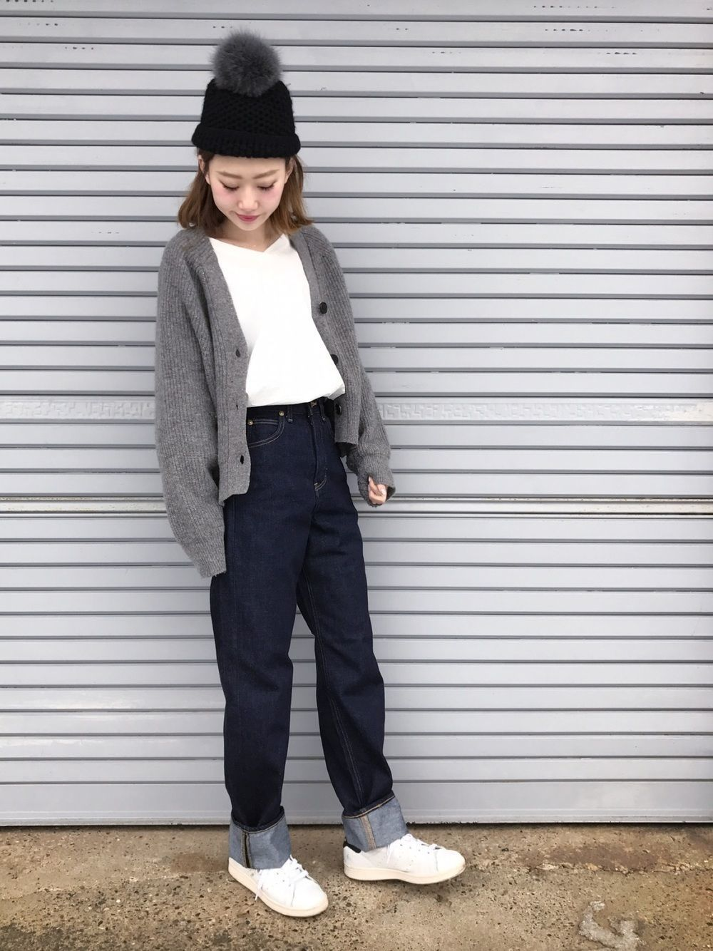 アディダスの白スニーカーを徹底調査♡人気スニーカーコーデも紹介!の3枚目の画像