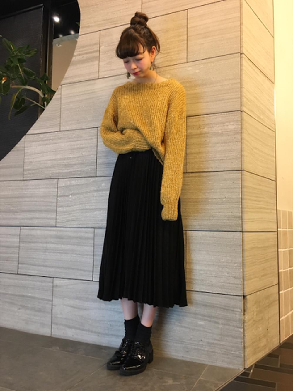 ベーシックな黒プリーツスカート♡