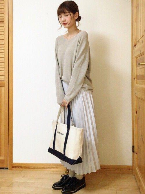 """オシャ見え必須カラー""""グレー""""×プリーツスカートで春を乗り切れ♡の9枚目の画像"""