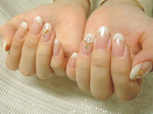 フレンチネイルは定番の白でネイル美人に♡白フレンチデザイン5選