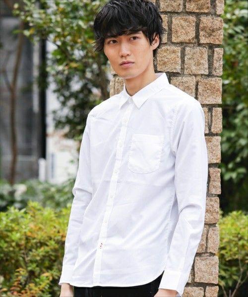 9f2a68cf480ec メンズなら誰しもが一着は持っているだろう白シャツ。清潔感があり爽やかな印象を与え、好感度が高いアイテムです!また、さまざまな合わせ方できる便利アイテムでも  ...