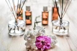 最近はアロマセラピーという言葉も聞くほど、アロマの「香り」による癒し効果が注目されているんです。