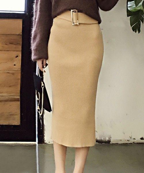 大人女子必見♡ペンシルスカートでつくる夏→秋着回しコーデの1枚目の画像