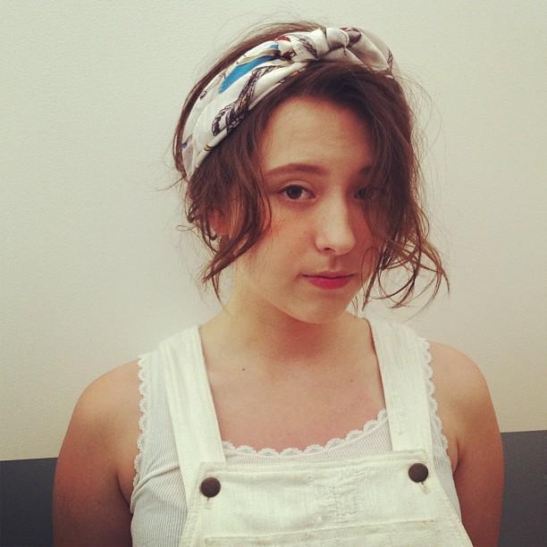 付け方いろいろ♡ヘアバンドで作る大人かわいいスタイル集♡の7枚目の画像