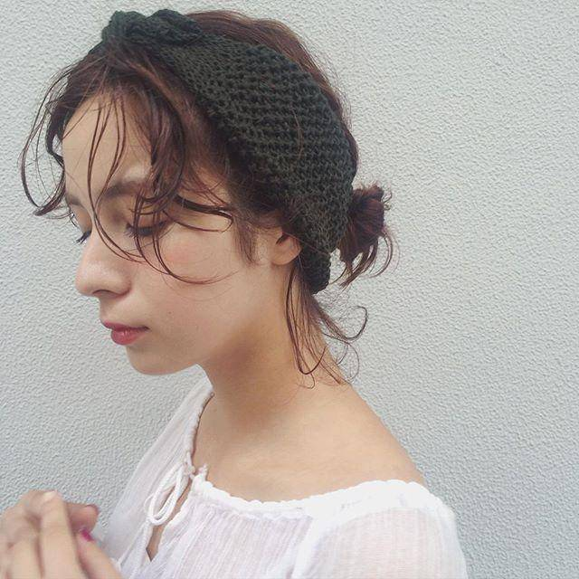 付け方いろいろ♡ヘアバンドで作る大人かわいいスタイル集♡の2枚目の画像