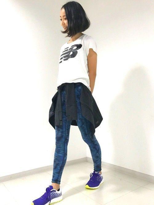 最近メンズ、レディース問わず私服にスポーツウェアを取り入れる「アスレジャースタイル」がトレンドなんです!ボトムスにジャージを入れるのは、初心者の方にも