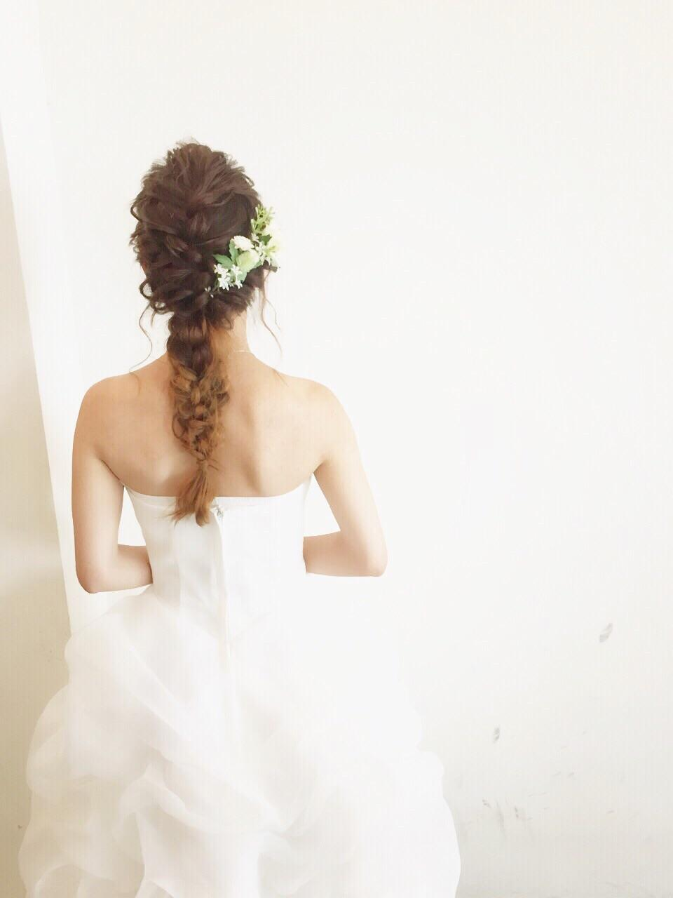もう悩まない!結婚式お呼ばれヘアスタイルは編み込みでキュートに♡の1枚目の画像