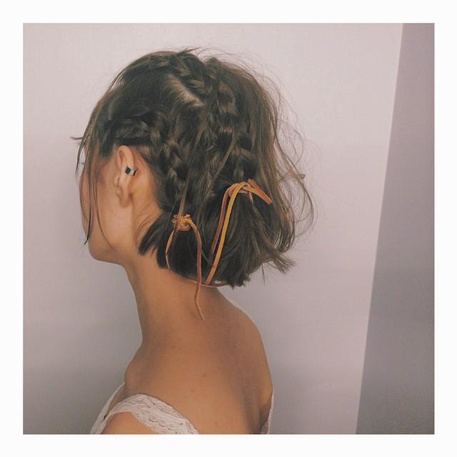 もう悩まない!結婚式お呼ばれヘアスタイルは編み込みでキュートに♡の3枚目の画像
