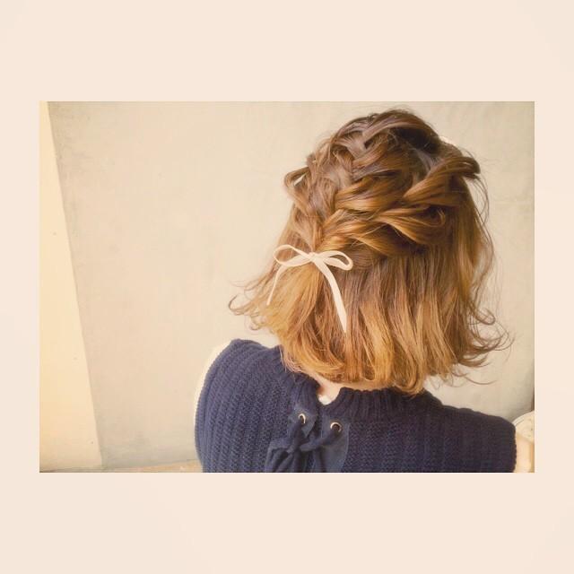 もう悩まない!結婚式お呼ばれヘアスタイルは編み込みでキュートに♡の5枚目の画像