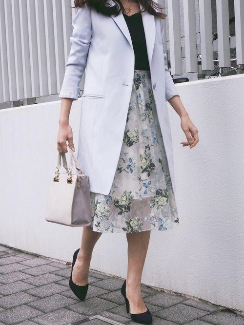 白×花柄スカートで作る愛されコーデ特集♡の2枚目の画像