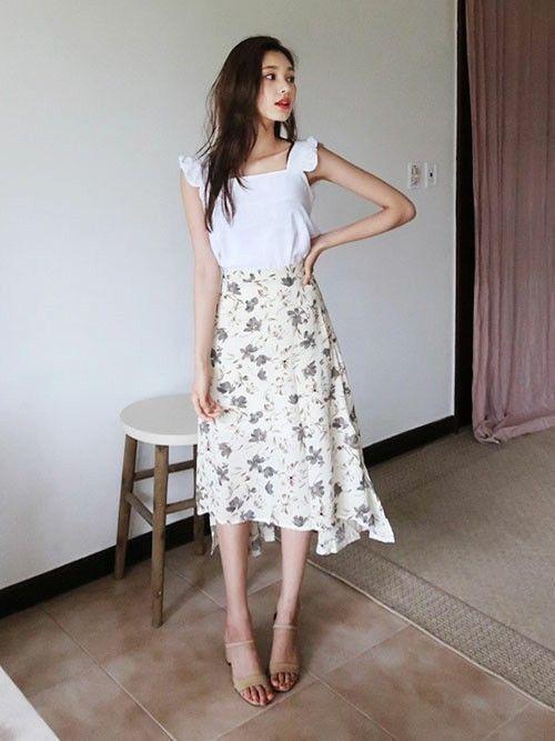 白×花柄スカートで作る愛されコーデ特集♡の5枚目の画像