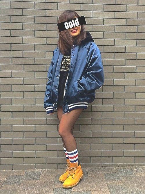 女子というとかわいい、ふわふわ、優しいというイメージが浮かびがちですが、たまには女子だってかっこいいものも着たいですよね!ストリート系ファッションは、そんな