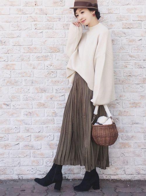 2879a461a9f 今年のレディースの秋冬ファッションは何がトレンドなのか、みなさんは知っていますか?今年の秋冬ファッションは、クラシカルで温かみのあるアイテムが多いの が特徴♪