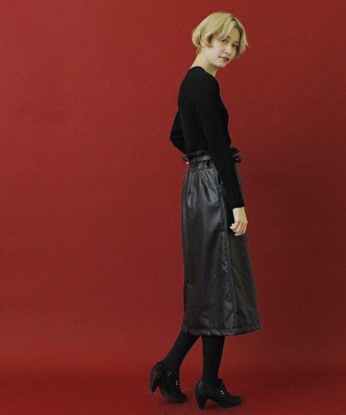 レザータイトスカートで秋冬コーデがしまる!の9枚目の画像