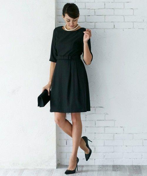c759498492085 シンプルで使いやすいデザインのウエストリボンドレスです。シンプルだからこそ、パールなどのネックレスを合わせるとまた違った表情を楽しむことができるのが良いです  ...