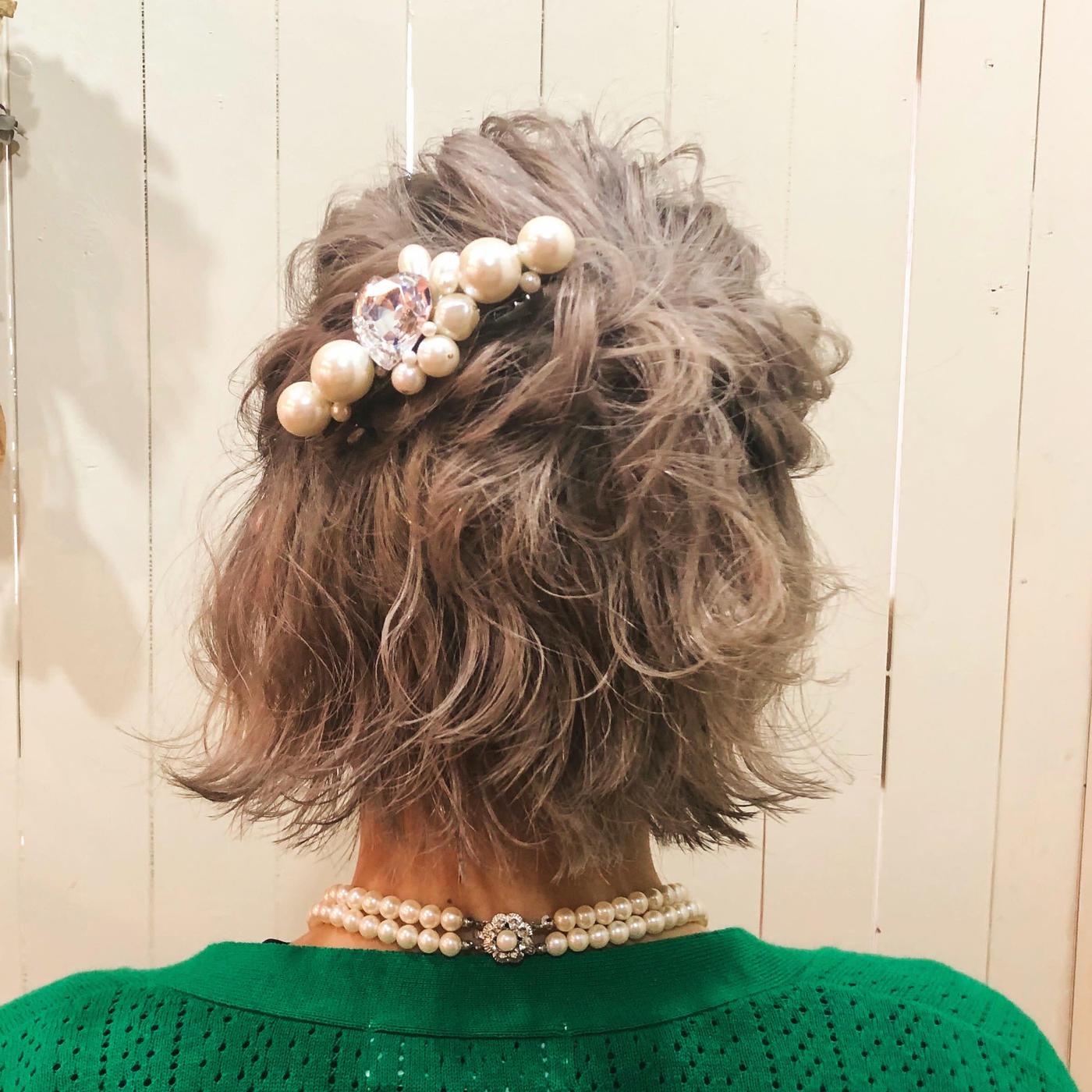【ショートの結婚式ヘアアレンジ特集】お呼ばれヘアで華やかにセットの12枚目の画像