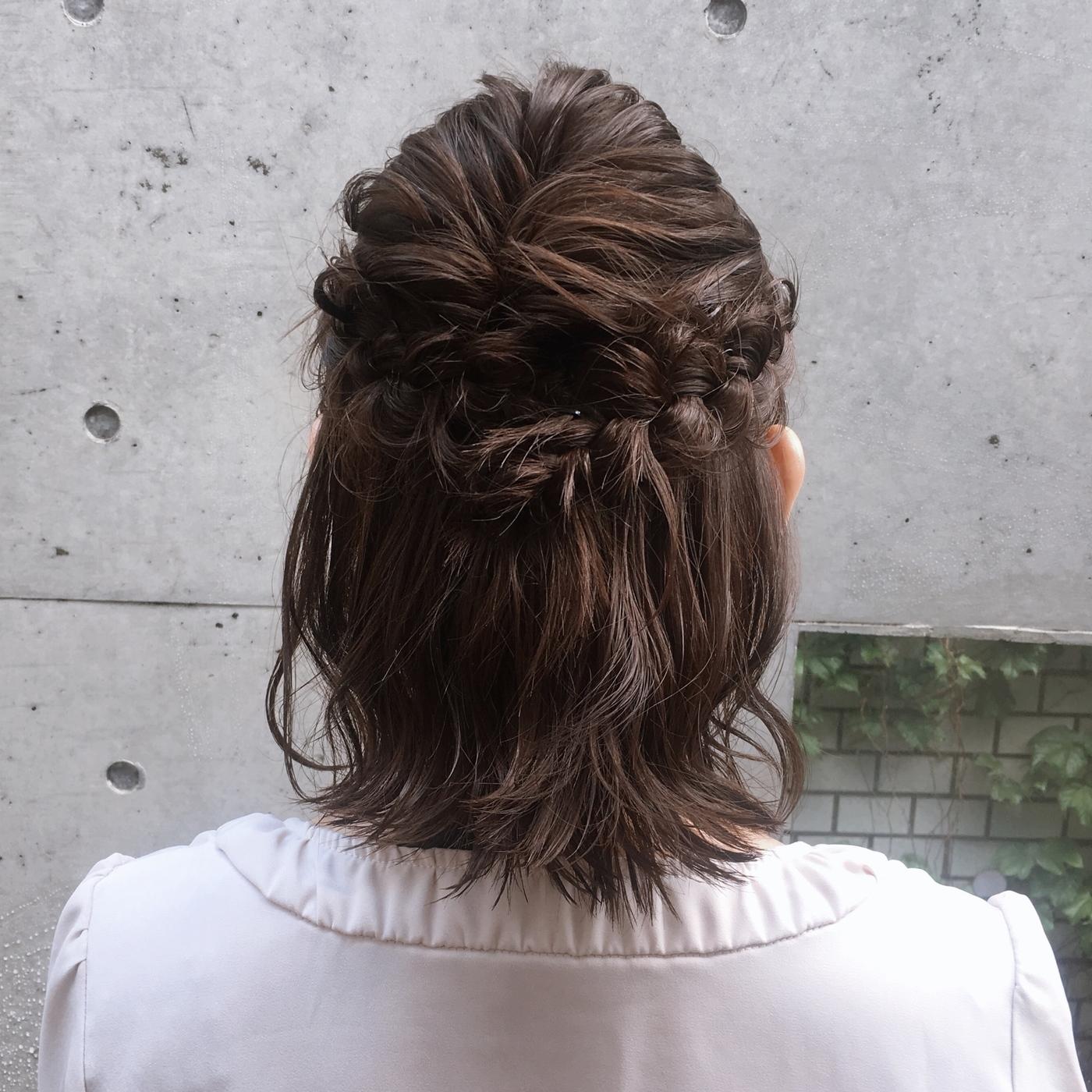 【ショートの結婚式ヘアアレンジ特集】お呼ばれヘアで華やかにセットの11枚目の画像