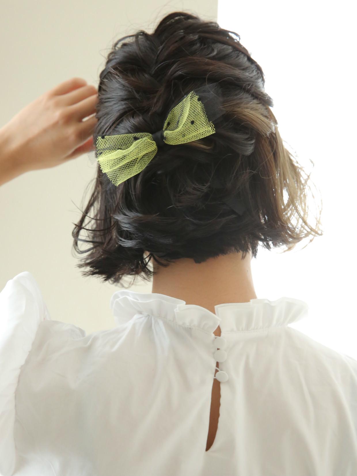 【ショートの結婚式ヘアアレンジ特集】お呼ばれヘアで華やかにセットの13枚目の画像