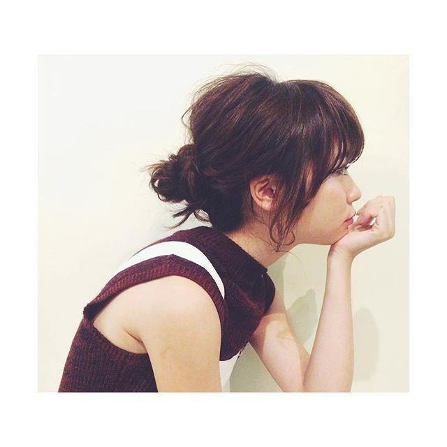あざとかわいい♡お団子ヘアで簡単かわいいヘアアレンジに仕上げる!の4枚目の画像