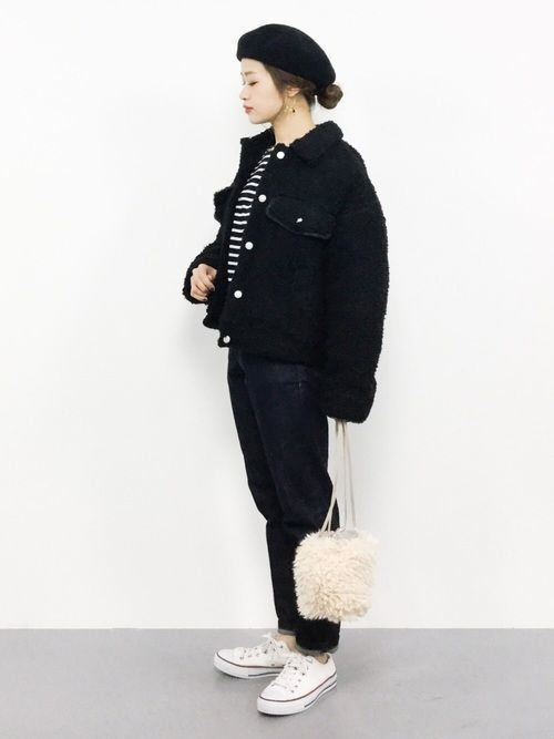 今季おすすめ!黒デニムのジャケットで普段のコーデを大人っぽく☆