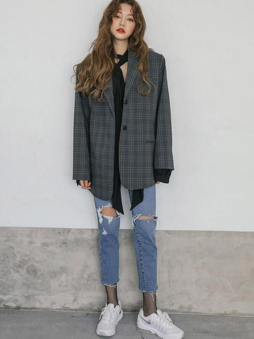 fecfa9e5d22 カジュアルな雰囲気の中に、どこか色っぽさがあるスタイリングが韓国らしさ満点のオルチャンファッションブランドです!