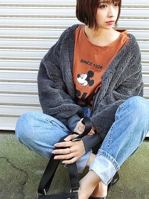 デニムでキメる♪オトナ女子の秋のおしゃれデニムコーデ特集♡の2枚目の画像