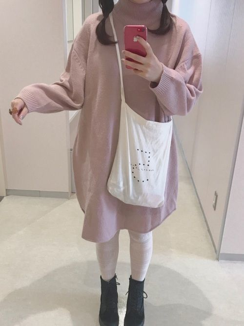762c7ddcb5cea この冬のトレンドカラーのくすみピンクが可愛いこちらのピンクニットワンピースはarchives(アルシーヴ)のもの。ふんわりした袖が女の子らしさを アップしてくれます ...