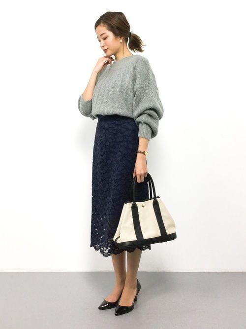 この冬は【ネイビータイトスカート】でスタイル満点コーデ♡