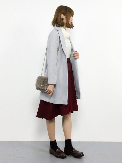 【グレーチェスターコートコーデ:火曜日】スカートを合わせたレディースコーデ