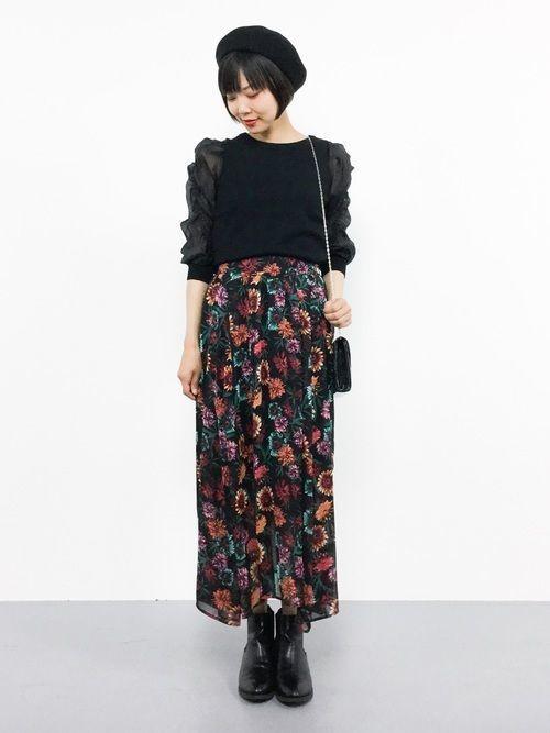 【2019年】黒の花柄スカートで作る♡シックなレディースコーデ!の6枚目の画像