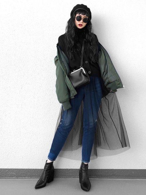 【女子の憧れ】フワっと揺れる黒チュールスカートのコーデをご紹介♡の14枚目の画像