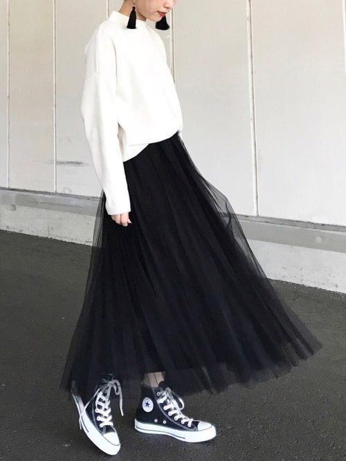 【女子の憧れ】フワっと揺れる黒チュールスカートのコーデをご紹介♡の19枚目の画像