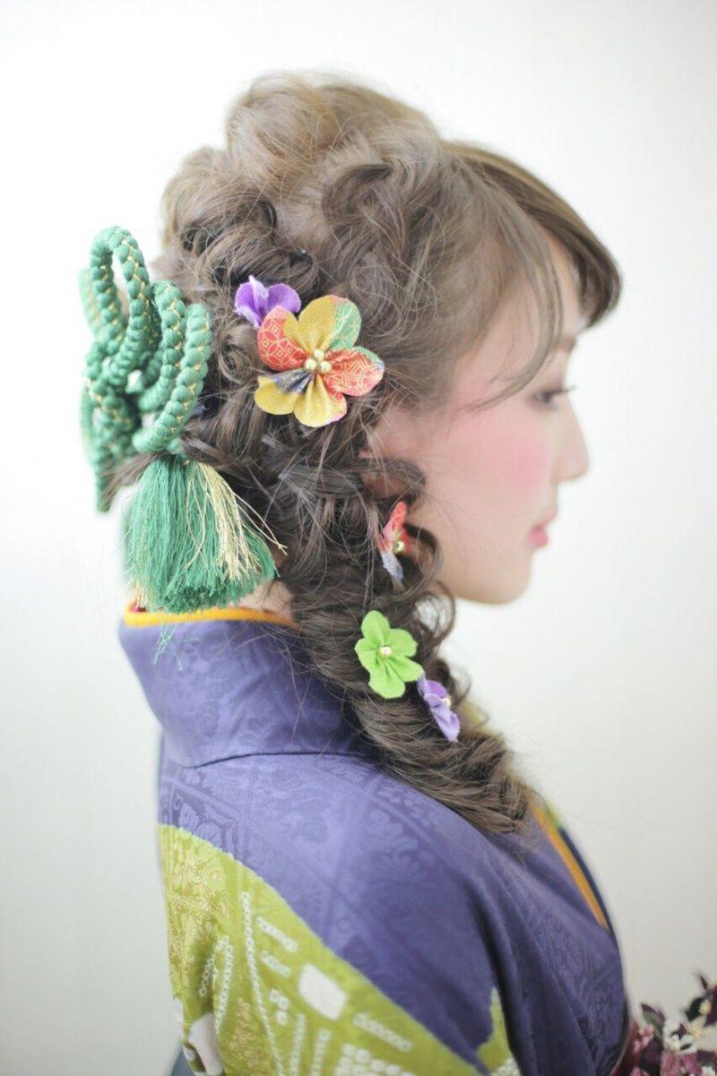 【成人式】髪型・髪色特集!人気は編み込みベースアレンジ?