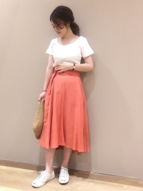 【旬ビタミンカラー】オレンジスカートの着こなしコーデ大特集!の3枚目の画像