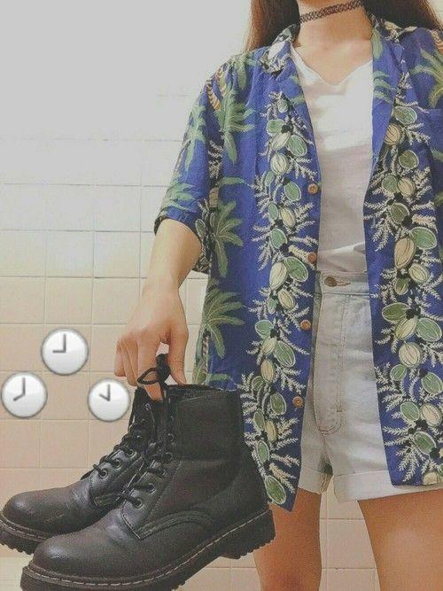 レディースの夏コーデ必見!初夏アイテムはアロハシャツで決まり♡