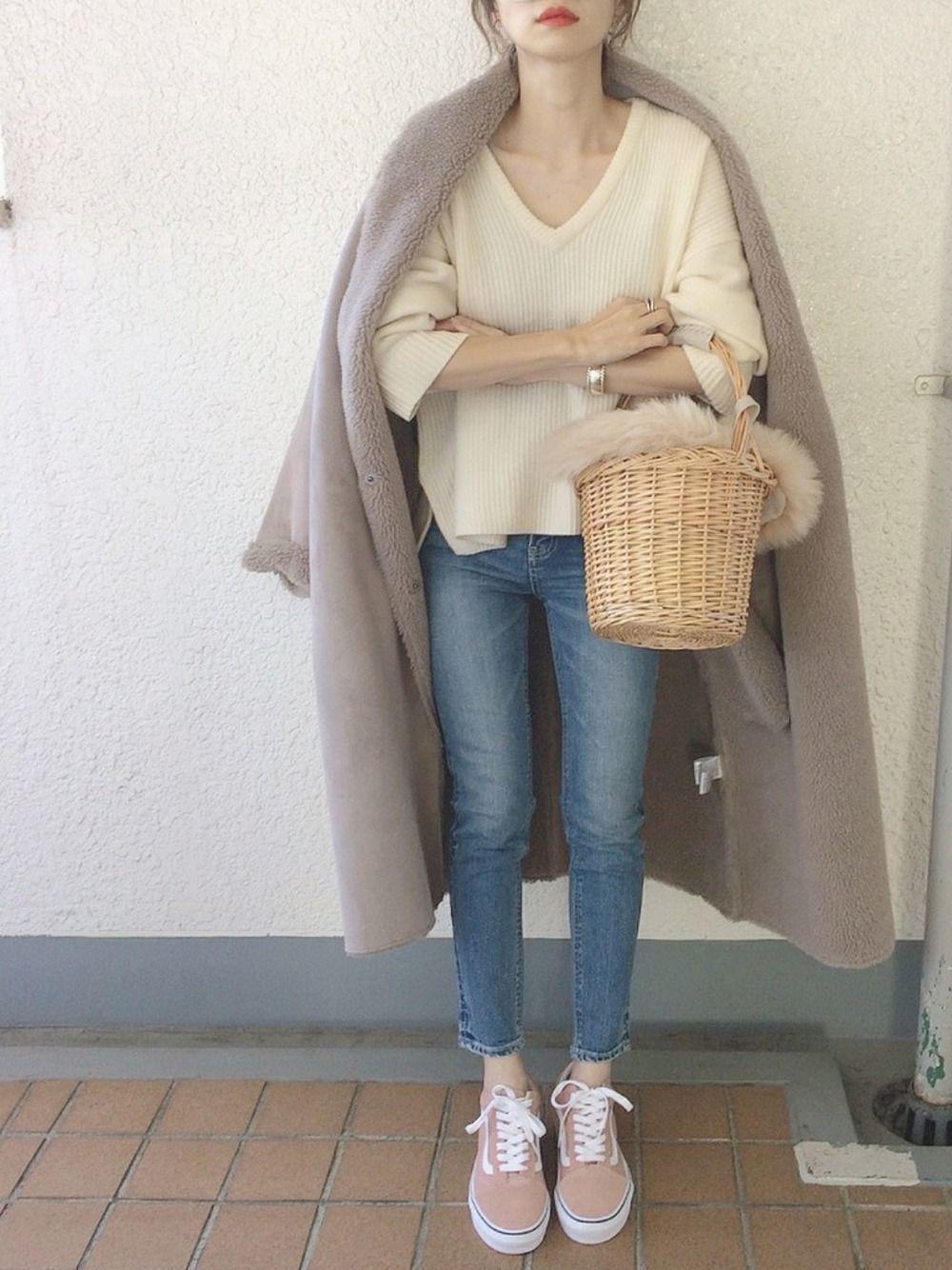 【Vネック】が流行中!モテファッションの鍵はこれだった♡の2枚目の画像