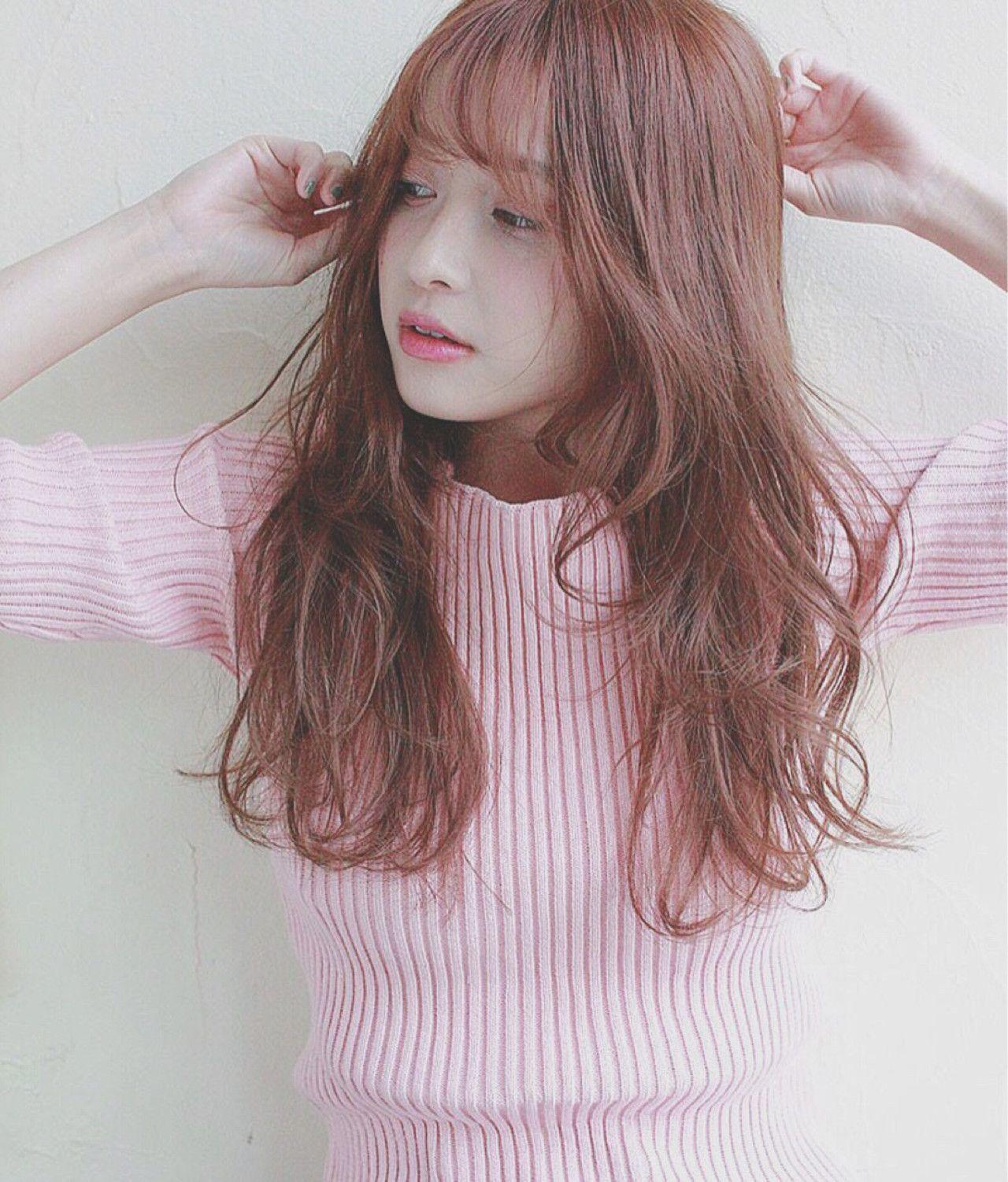 明る�ピンクアッシュ��ピンク����り発色�れ�外国人風ヘアカラー�。 ブリー�を��カラーリング�る�も���も�も�明る�髪色�ピンクアッシュをカラー