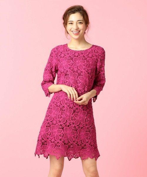 ガーリーファッションはしてみたくなりましたか?ピンクでフリルが付いていたりするものがガーリーファッションであるイメージがありますが、黒のアイテムでも ガーリー