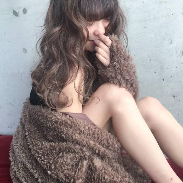 モテ女子の新定番!ミルクティーアッシュで大人かわいいを極めよう♡の20枚目の画像