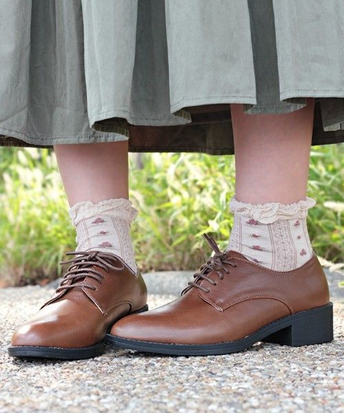 1d7fc7c7b473 コーデにおじ靴をプラスしませんか?おじ靴ってなんだかダサそう…。と思うのはもったいない。マニッシュなテイストをコーデにオンすることで、女性らしさを高められる  ...