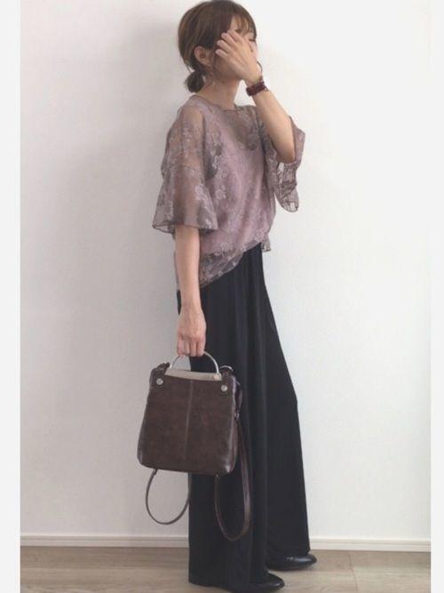 媚びないスタイルが人気♡甘辛コーデで楽しむファッションの10枚目の画像