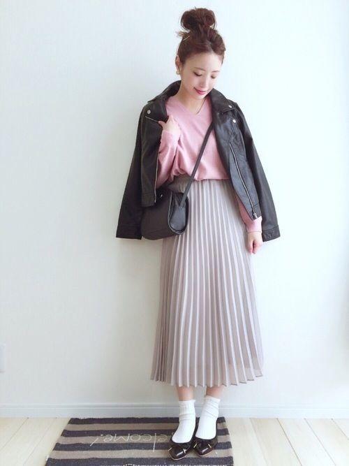 媚びないスタイルが人気♡甘辛コーデで楽しむファッションの12枚目の画像