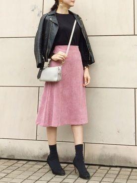 媚びないスタイルが人気♡甘辛コーデで楽しむファッションの2枚目の画像