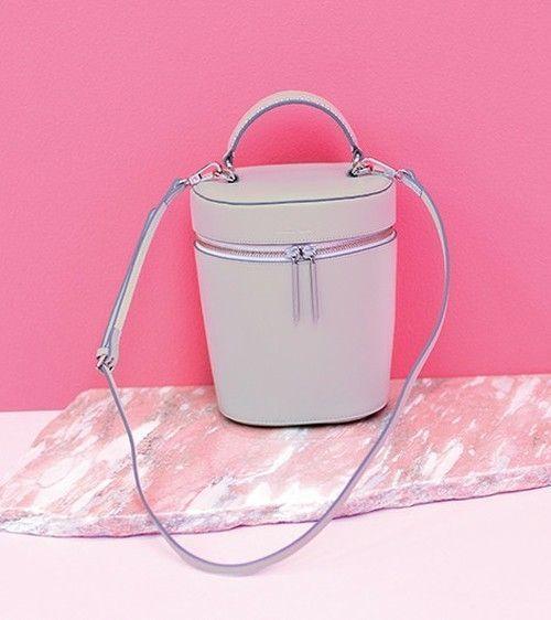 ころんとフォルム♡【バニティ】バッグを春コーデに取り入れたい!の3枚目の画像